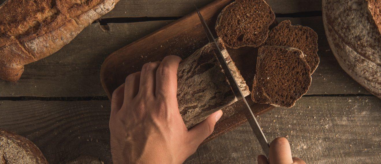 Brotmesser Depositphotos_174433806_l-2015